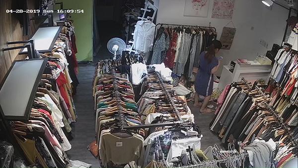 Hình ảnh camera được lắp đặt tại shop thời trang